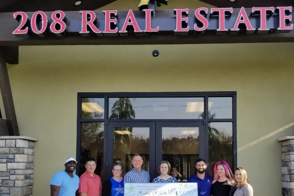 208-real-estate-gives-back201884AA0-4A03-C46F-F777-90881F72D928.jpg